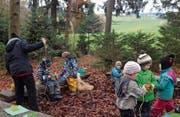 Die Waldkindergärtler halten sich bei jedem Wetter hauptsächlich draussen auf – nur bei Sturm nicht. (Bild: PD)