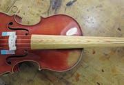 Ein Griffbrett aus verdichteter Fichte auf einem Instrument des französischen Geigenbauers Charles Brugère. (Bild: Otto Kurmann)