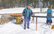 Berni wird der Betreiber des Skilifts in Plona von den Leuten genannt. Er freut sich auf alle Skifahrer, vor allem aber auf die kleinen. (Bild: Kurt Latzer)