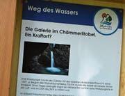 Tafel «Weg des Wassers» im Chämmerlitobel.