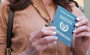 Zyprische Reisepässe sind begehrt bei Ausländern – und für die Regierung in Nikosia ein Milliardengeschäft. (Bild: Hasan Mroue/AFP)
