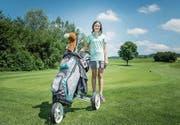 Praktisch täglich ist die zwölfjährige Ladina Luder auf dem Golfplatz in Waldkirch anzutreffen. (Bilder: Jil Lohse)
