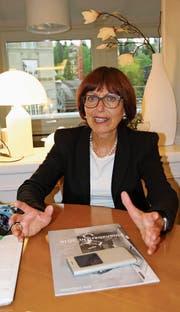 Rita Roos war Anwältin, Regierungsrätin, fast Bundesrätin und schliesslich Direktorin der Pro Infirmis. Nun geniesst sie ihren Ruhestand im Toggenburg. (Bild: Martina Signer)