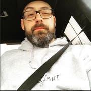 Paul Würdig alias Sido hat ein Bild auf Instagram gepostet, dass ihn bei der Anreise nach St.Gallen zeigt. (Bild: Instagram)