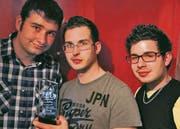 Wurden bei einem Jugendfilm-Wettbewerb ausgezeichnet: (von links) Flavio Tobler, Sandro Gebert und Fabio Gebert. (Bild: pd)