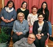 Die Kommission Gemischter Chor Eichberg mit den Neumitgliedern (v. l.) Claudia Sgier, Katja Bernoi Sarah Büchel, Turi Treichler, Jasi Hutter, Irene Walt und Sonja Rafaiova. (Bild: pd)