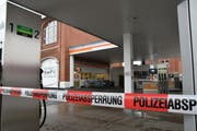 Der Tankstellenshop beim Hamel wurde kurz nach 8 Uhr überfallen. (Bild: Manuel Nagel)