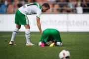 Am Boden: Der FC St.Gallen spielt sich zunehmend in die Krise. (Bild: GIAN EHRENZELLER (KEYSTONE))