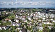 Im Gebiet Oberwiesen in Wittenbach wird seit Anfang März gebaut. Auf der Baustelle werden verschiedene Teilprojekte gleich auf einen Schlag realisiert. (Bild: Michel Canonica)