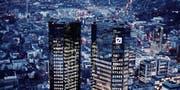 Der Hauptsitz der Deutschen Bank in Frankfurt am Main. (Bild: Michael Probst/Keystone (1. Februar 2018))