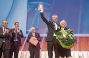 Den ersehnten Prix SVC Ostschweiz für das Unternehmen Berlinger erhalten: Daniel Schwyter-Berlinger und Andrea Berlinger Schwyter. (Bild: Mareycke Frehner)