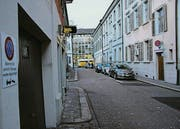 Die Hintere Poststrasse: Von hier aus in die neue Tiefgarage? (Bild: Reto Voneschen)