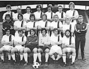Toni Weibel (mittlere Reihe, Dritter von rechts) auf dem Teamfoto des FC St. Gallen aus dem Jahr 1973. (Bild: Ein Jahrhundert FC St. Gallen)