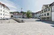 Keine Trennung von Strassen- und Fussgängerbereich: Die südliche Altstadt ist seit 2013 eine Begegnungszone. Jetzt folgt der Rest der Altstadt. (Bild: Hanspeter Schiess)