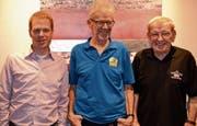 Sind ein Viertel- und zweimal ein halbes Jahrhundert dabei: (v. l.) Michael Zäch, Bruno Kühnis und Karl Zäch. (Bild: pd)