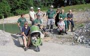 Die freiwilligen Helferinnen und Helfer des Natur- und Vogelschutzvereins Uzwil. (Bild: PD)