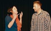 Komödie und ein wenig Drama: Conny Oberholzer verzweifelt als Filmdiva Marlene Rieber. Edwin Heeb spielt ihren Butler Alfred.