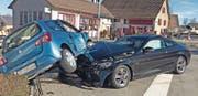 Nach Zusammenstoss auf Kreuzung leicht verletzt (Bild: Kapo)