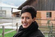 Die Diepoldsauerin Irene Frei war mit dem Auto unterwegs; als sie das reiterlose Pferd sah, hielt sie an und stoppte es beherzt. (Bild: Gert Bruderer)