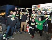 Mit dem Fanbus ans Heimspiel: Die Anhänger des HC Thurgau sind schon vor der Partie gegen den HC Ajoie guten Mutes. (Bild: Mario Gaccioli)