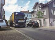 Von der Brücke Höhe Dammstrasse bis zum Restaurant Linde wird auf der Wiesentalstrasse ein lärmarmer Belag eingebaut. (Bild: PD)