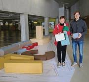 Susanne Bodmer und Luca Sabella begleiten das Projekt. (Bild: Elisabeth Reisp)