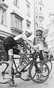 Mac Baertsch (links) und Werner Burger bei der Gründung von «Die Fliege» 1991 in der St. Galler Altstadt. (Bild: Ralph Hug/Archiv)