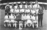 Toni Weibel (mittlere Reihe, dritter von rechts) auf dem Mannschaftsfoto des FC St. Gallen aus dem Jahr 1973. (Bild: Ein Jahrhundert FC St. Gallen)