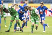 Nach der 1:3-Niederlage in Luzern hat der FCSG nur noch zwei Punkte Vorsprung auf die viertplatzierten Innerschweizer. (Bild: Keystone)