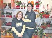 Stolze Geschäftsinhaberinnen: Monika Gähler (links) und Karin Vorbeck haben zusammen das «Gänseblüemli» eröffnet. (Bild: ste)