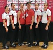Die vier erfolgreichen Sirnacherinnen und das ebenfalls erfolgreiche Uzwiler-Duo Hammerschmidt/Burri in Prag. (Bild: PD)