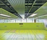 Medieninformation/Führung durch neue Dreifachsporthalle Demuttal (Riethüsli) zum Abschluss des Wiederaufbaus. (Bild: Michel Canonica)