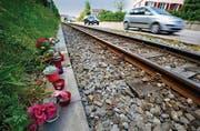 Die Unfallstelle: Hier starb Sascha Bruderer am Samstag nach dem Zusammenstoss mit der FW-Bahn. (Bild: Reto Martin)