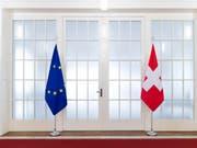 Die EU-Kommission änderte im Dezember im letzten Moment ihre Meinung und anerkannte die Schweizer Börsen-Regeln nur befristet. (Bild: Keystone/PETER KLAUNZER)