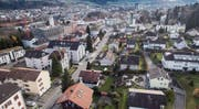 Ein Blick von Wittenbach in Richtung St. Gallen. Längst sind die politischen Grenzen im Häusergeflecht nicht mehr auszumachen. (Bild: Ralph Ribi)