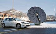 In Wattwil steht eine neue Photovoltaikanlage, an der Elektroautos aufgeladen werden können. (Bild: pd)