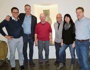 Ein Teil des neuen GVV-Vorstandes (v. l.): Gino-Enrico Kaufmann (neuer Präsident), Heiko Rosenbohm (bisheriger Präsident), Urs Manzoni (Bauchef), Bernhard Hinz (Finanzchef), Sabine Bordasch (Revisorin II) und Christian Siegrist (Gemeindevertreter und Vizepräsident). (Bild: pd)