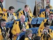 Die Musikantinnen und Musikanten der Musikgesellschaft Wattwil stecken mitten in den Proben zum kommenden Unterhaltungskonzert. (Bild: PD)
