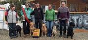 Die fünf Teilnehmenden und ihre Hunde des Hundesports Toggenburg. (Bild: PD)