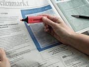 Steigt die Arbeitslosenquote in einer Berufsgattung auf acht oder mehr Prozent, müssen Arbeitgeber freie Stellen beim RAV melden. Wann die verbindliche Liste mit den Arbeitslosenquoten je Berufsgattung kommt, steht noch nicht fest. (Bild: Kurt Latzer)