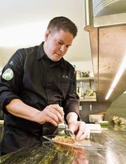 Christian Kuchler in der «Schäfli»-Küche. Dort hat er die Swiss-Menus erfunden. (Bild: Donato Caspari)