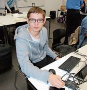 Durch «Schweizer Jugend forscht» hatte Luke Stampfli die Möglichkeit, sein Hobby Informatik zu vertiefen. (Bild: Angela Hess)