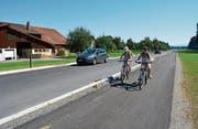 Dank dem neuen Radweg ist der Schulweg der Niederstetter Kinder nach Henau sicherer geworden. Am Samstag ist die ganze Uzwiler Bevölkerung zu einer Velofahrt eingeladen. (Bild: Urs Bänziger)
