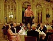 Soll man sich wirklich an die Spielregeln der Gesellschaft halten? Im schwedischen Film «The Square» geht es um Instinkte und Akzeptanz.