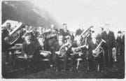 Die Bürgermusik Wildhaus wie sie sich im Jahre 1925 ablichten liess. (Bild: PD)
