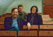 Oper zum Anfassen machen Bariton Michael Raschle, Regisseur Matthias Flückiger und Mezzosopranistin Rosina Zoppi. (Bild: Jonny Schai)