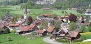 Es wird nicht mehr allzu lange dauern, und die Landschaft im unteren Toggenburg wird sich frühlingshaft präsentieren. Im Bild Ganterschwil. (Bild: PD)
