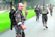 Ueli Maurer im November 1996 am Frauenfelder Waffenlauf. Maurer war im Militär Kommandant eines Radfahrer-Bataillons. (Bild: ky)