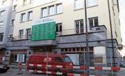 Die Flawiler Niederlassung der St. Galler Kantonalbank an der Bahnhofstrasse 11 wird derzeit umgebaut. (Bilder: Philipp Stutz)