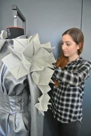Stephanie Adlun, 23 Jahre: Studentin des Studiengangs Fashion Design an der Schweizerischen Textilfachschule (STF). (Bild: Pascal Düringer/STF)